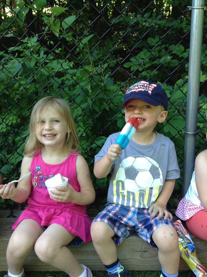 apple-montessori-students-ice-cream