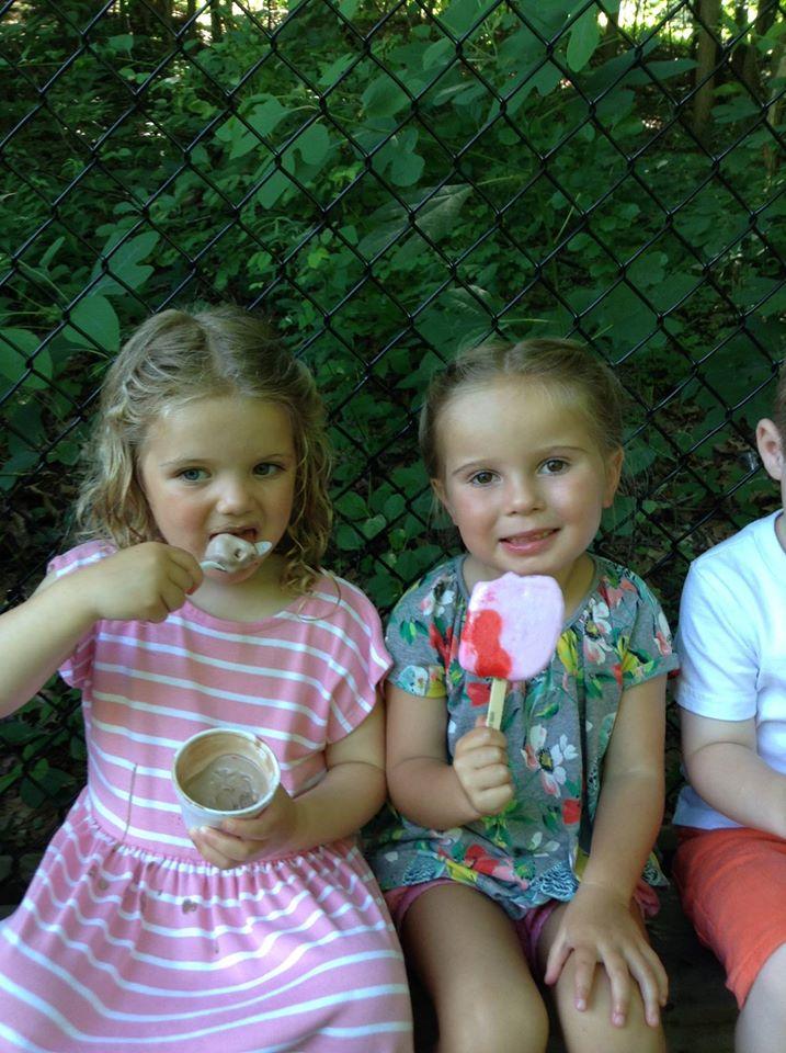 apple-montessori-summer-camp-ice-cream-trip