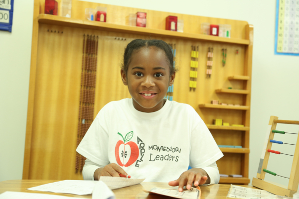 apple-montessori-kid-learning